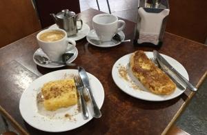 Café y torrija o leche frita para dos