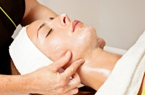 Higiene facial con ultrasonidos