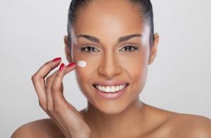 Limpieza facial con mascarilla de alginato